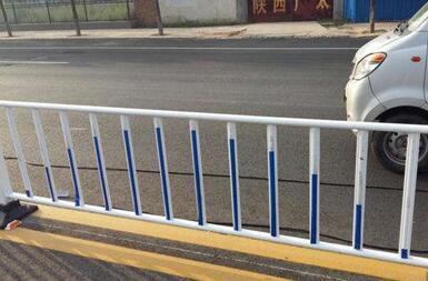 市政护栏.jpg