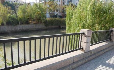 河道护栏.jpg