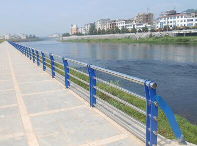 同材质的河道护栏有什么不同的作用?