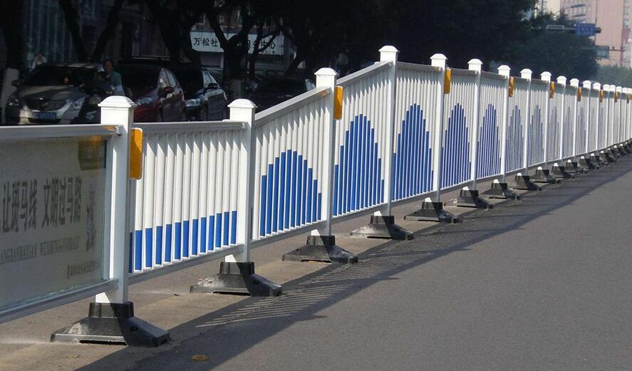 说说道路护栏在生活中的作用