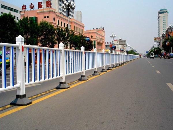 PVC道路护栏